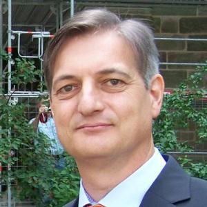 Alexander Grau
