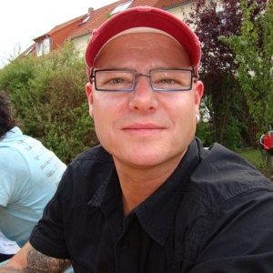 <b>Daniel Höppner</b> - Daniel_Hoeppner_P-5K6QR-P_S-300_I-12OU45-I