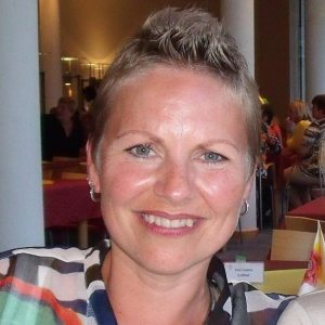<b>Katja Schramm</b> - Katja_Schramm_P-I400L-P_S-173_I-13X196-I