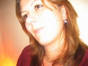 <b>Nicole Hoffmann</b> - Nicole_Hoffmann_P-2IQ4X-P_S-300_I-PP6A-I
