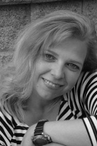 <b>Nicole Melzer</b> - Nicole_Melzer_P-BK4YM-P_S-200_I-KUFA1-I